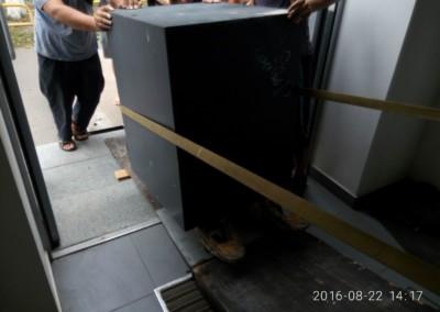 Днемонтаж и вывоз  2х банкоматов по 650кг и сейфа 900кг