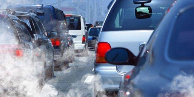 Автолюбителям Украины придется платить топливный налог
